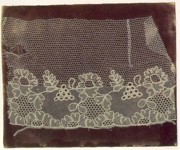 Fotó: W.H. Fox Talbot: Lace, c. 1844